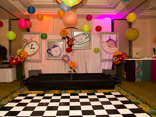 Wonderland-Theme---Law-School-Gala-Dinner-003