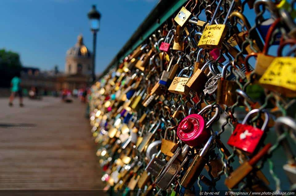 "CELEBRATIONS BUILDS ""LOVE LOCK WALL"" FOR THE CAYMAN ISLANDS"