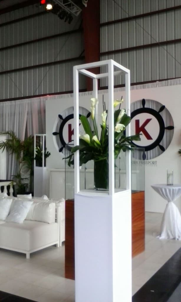 CELEBRATIONS DECOR FOR KIRK FREEPORT BOOTH AT ISLAND AIR EVENT