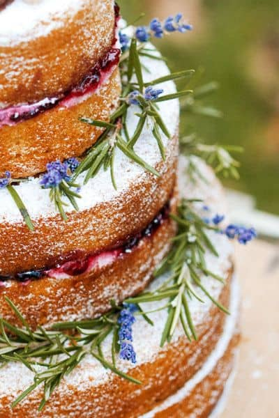 Ten Naked Cakes We're GAGA Over