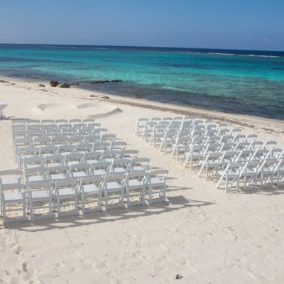 SIMPLE TURQUOISE OCEANSIDE BEACH WEDDING