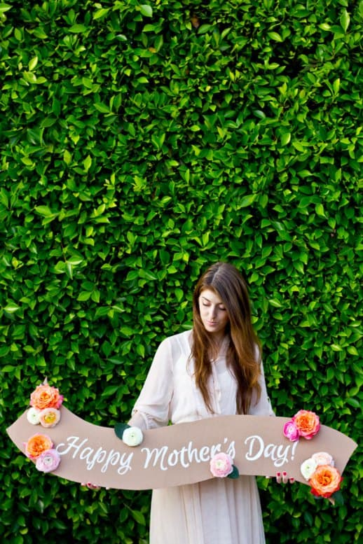 DIY-Floral-Banner-for-Mothers-Day