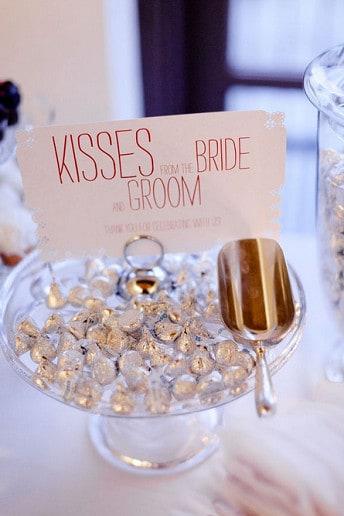 bridal_kisses_crop