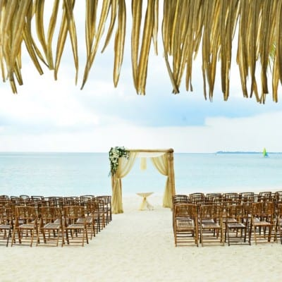 MAGICAL BEACH WEDDING IN THE CAYMAN ISLANDS