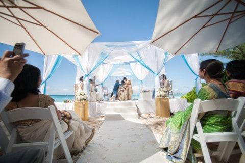 INDIAN WEDDING AT CAYMAN ISLANDS GETS FEATURED ON MAHARANI WEDDINGS