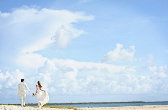 CELEBRATIONS & THE WESTIN GRAND CAYMAN RESORT TEAM UP TO OFFER A ROMANTIC FALL SPECIAL