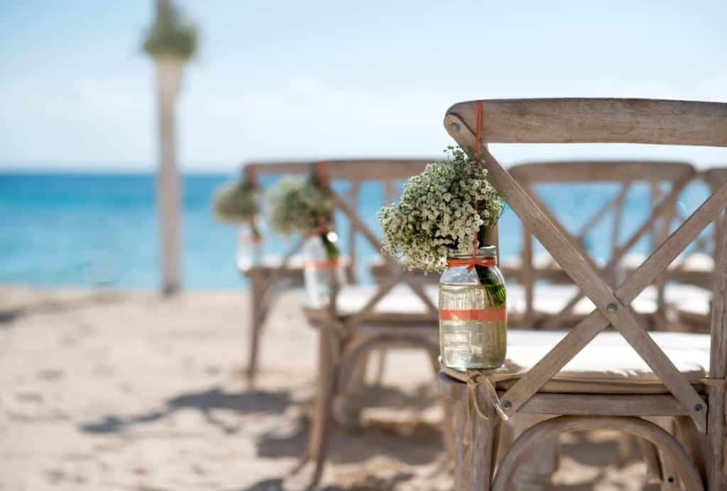 CAYMAN RANKS FAVORITE AMONG COUPLES AROUND THE WORLD CHOOSING TO TIE THE KNOT IN PARADISE