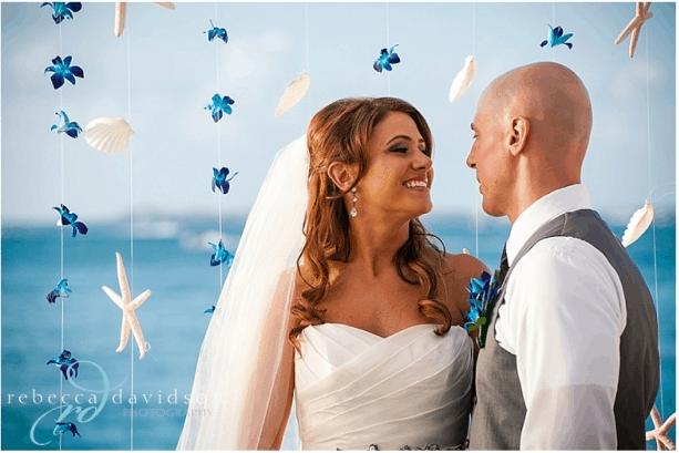 CAROLINE & LUKE'S TROPICAL WEDDING PHOTOS