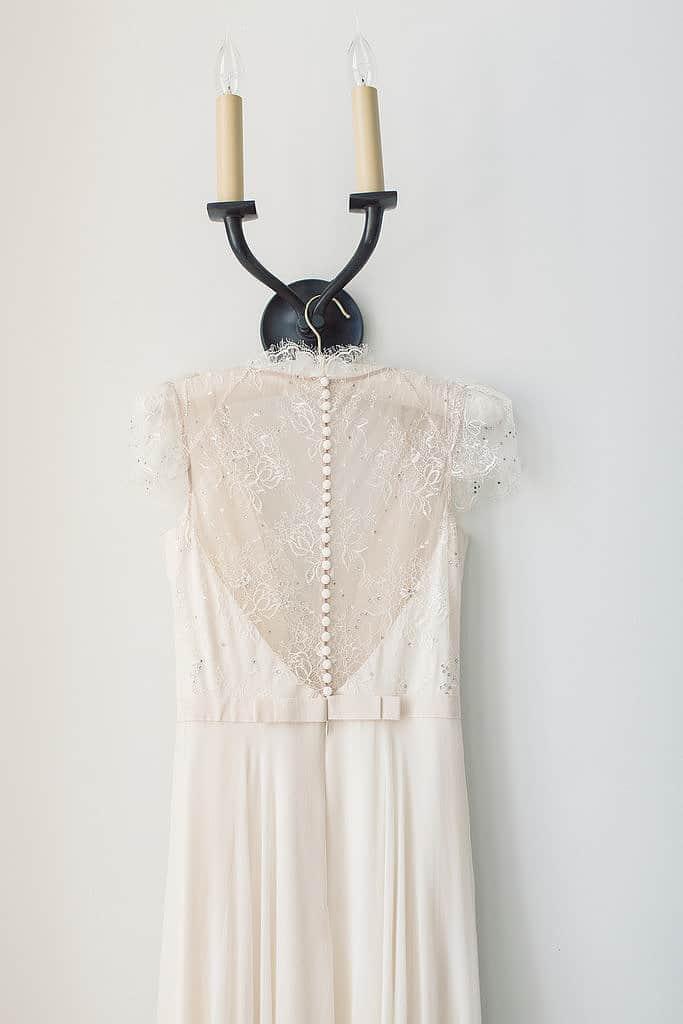 19-Details-Hanger