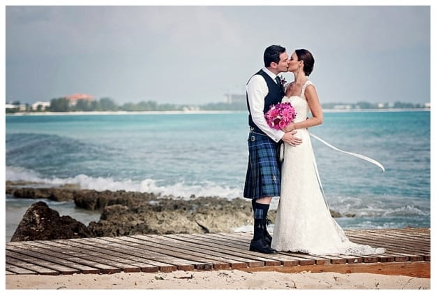 BEAUTIFUL SCOTTISH BEACH SIDE WEDDING