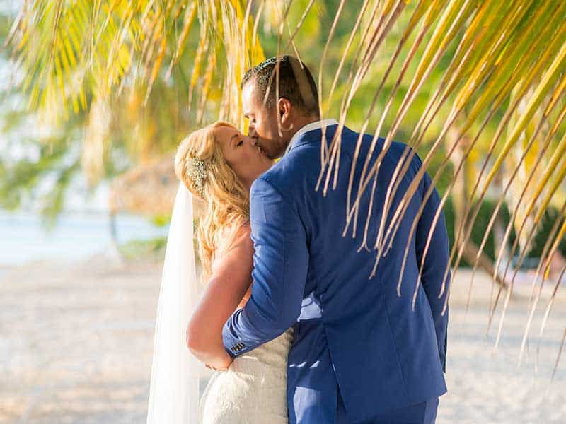 CAYMAN-DESTINATION-WEDDING--ABIGAIL-AND-KYLE-3