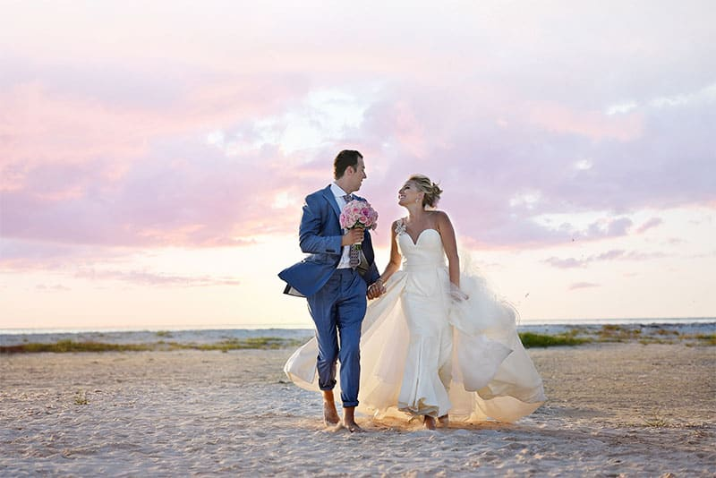 CRYSTAL AND CHRIS BEACH WEDDING – A TALE OF BEAUTIFUL BEGINNINGS