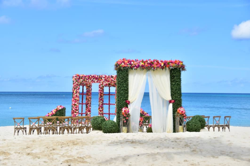 BEST FANTASY BEACH DESTINATION WEDDING EVER! Cayman Islands